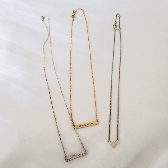 3 H&M Urban Outfitters Necklaces